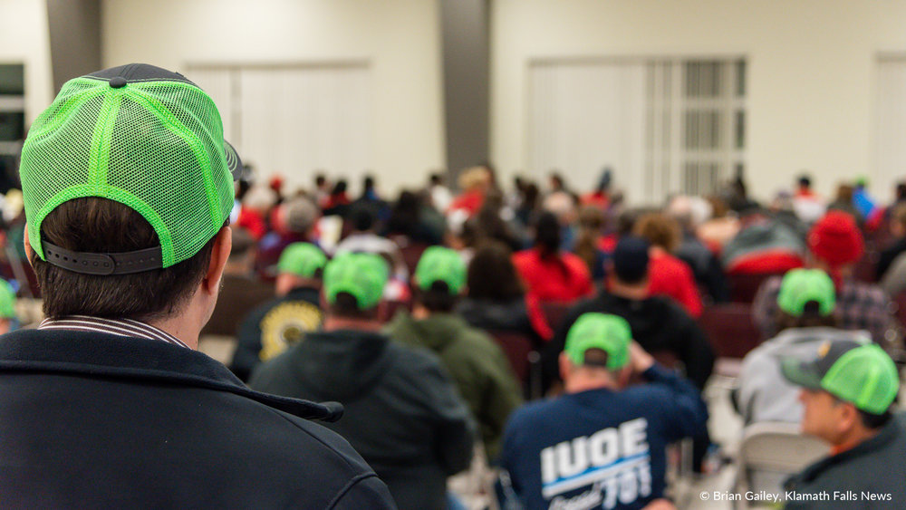 A standing room only crowd listens to comments made during the removal-fill permit application hearing for the Jordan Cove Energy Project. January 7, 2019 (Brian Gailey)
