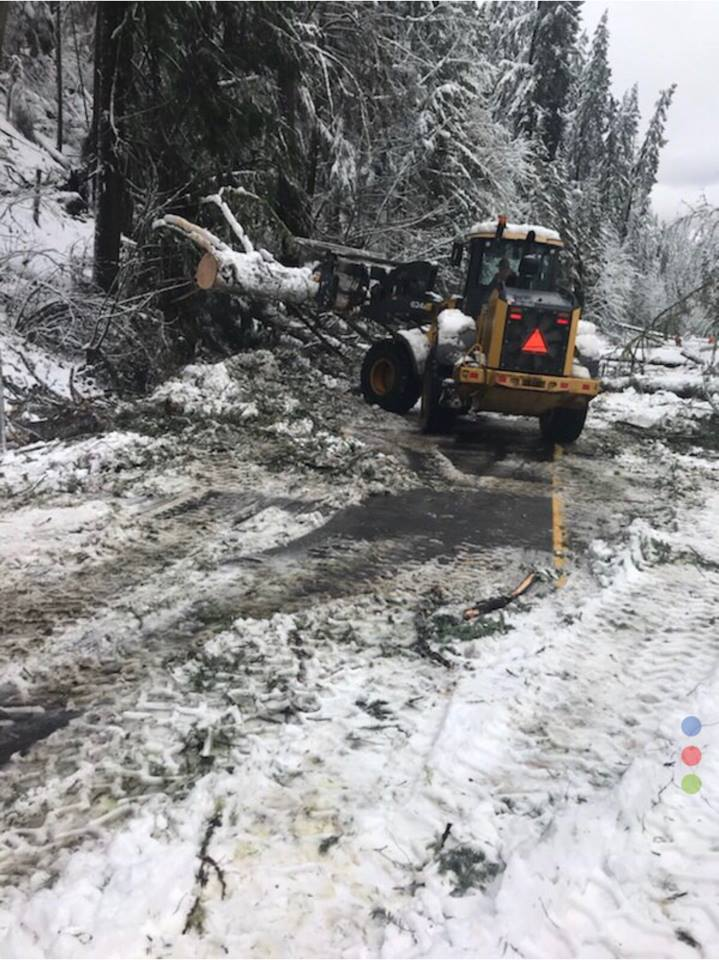 Crews work to clear ORE58. Image, Oregon Department of Transportation