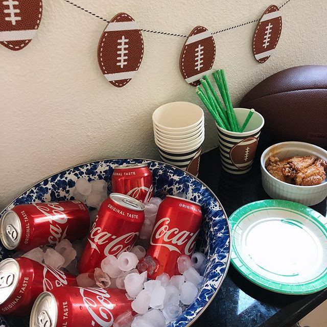 When @walmart saves the day with their online grocery ordering . Making it easier to stock up for game day . Now we can watch football this season with a nice cold @cocacola and our favorite football foods #kickoffwithgreattaste #ad