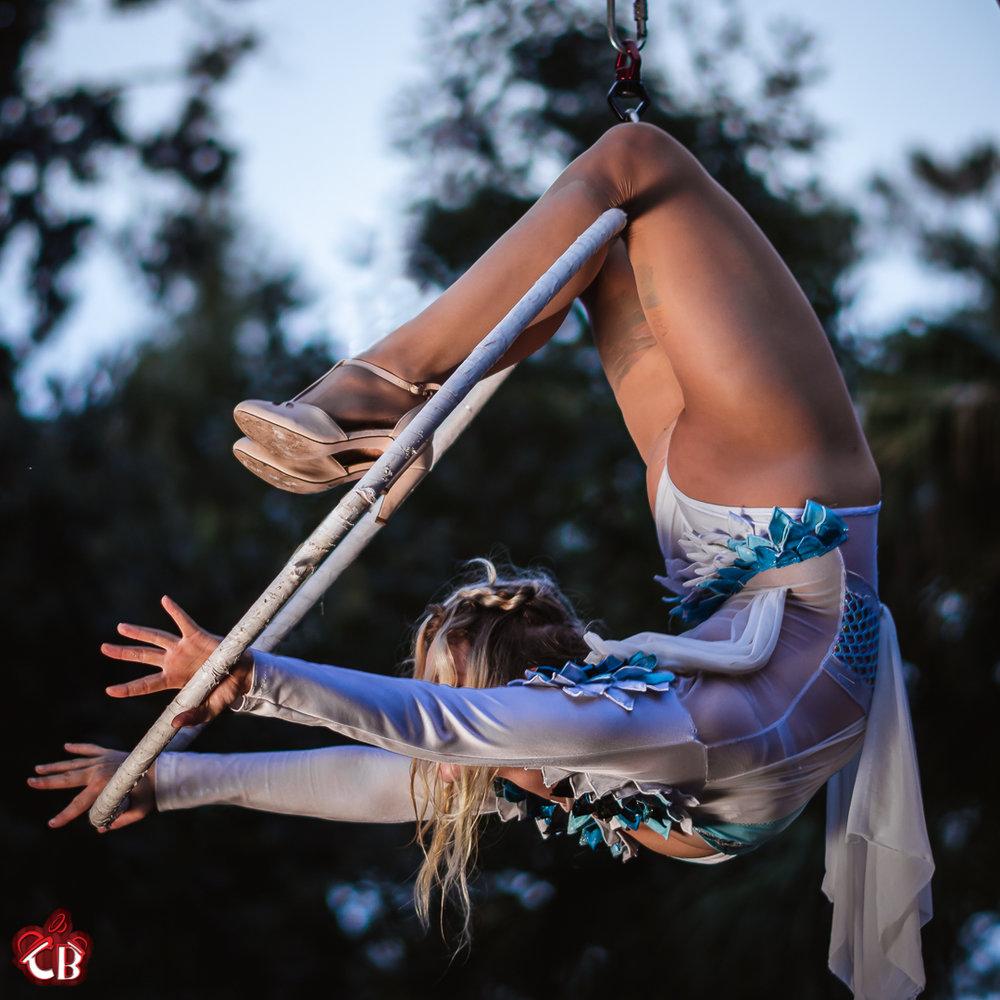 Lauren Lyra IG (4).jpg