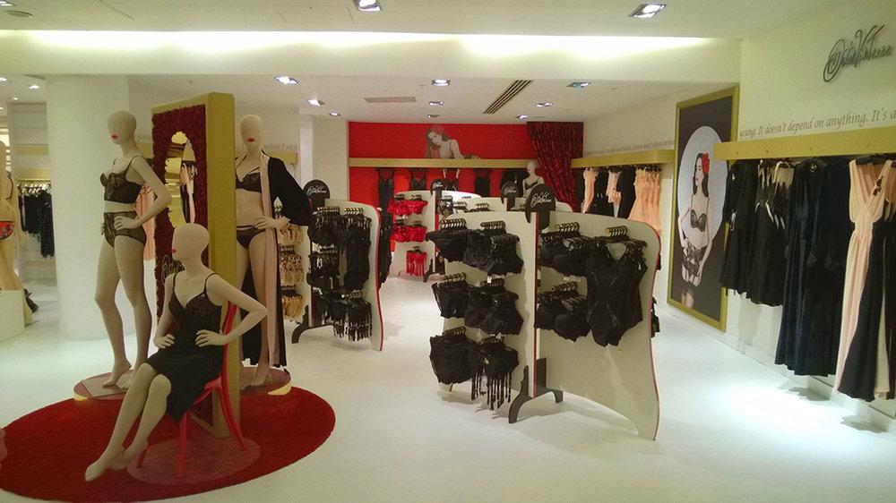 Dita Von Teese POP Up Store