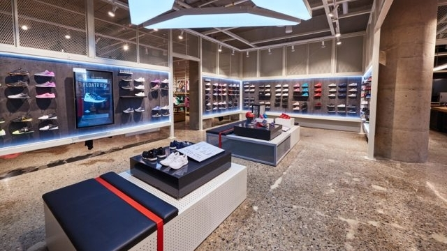 Reebok Dry Dock Store Boston