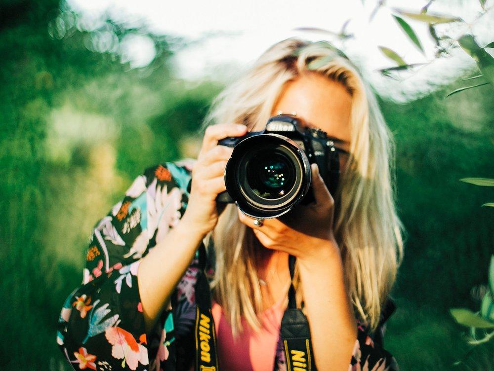 Let me capture your moments!