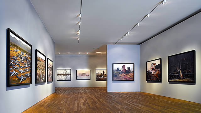 PHOTOGRAPHERS GALLERY