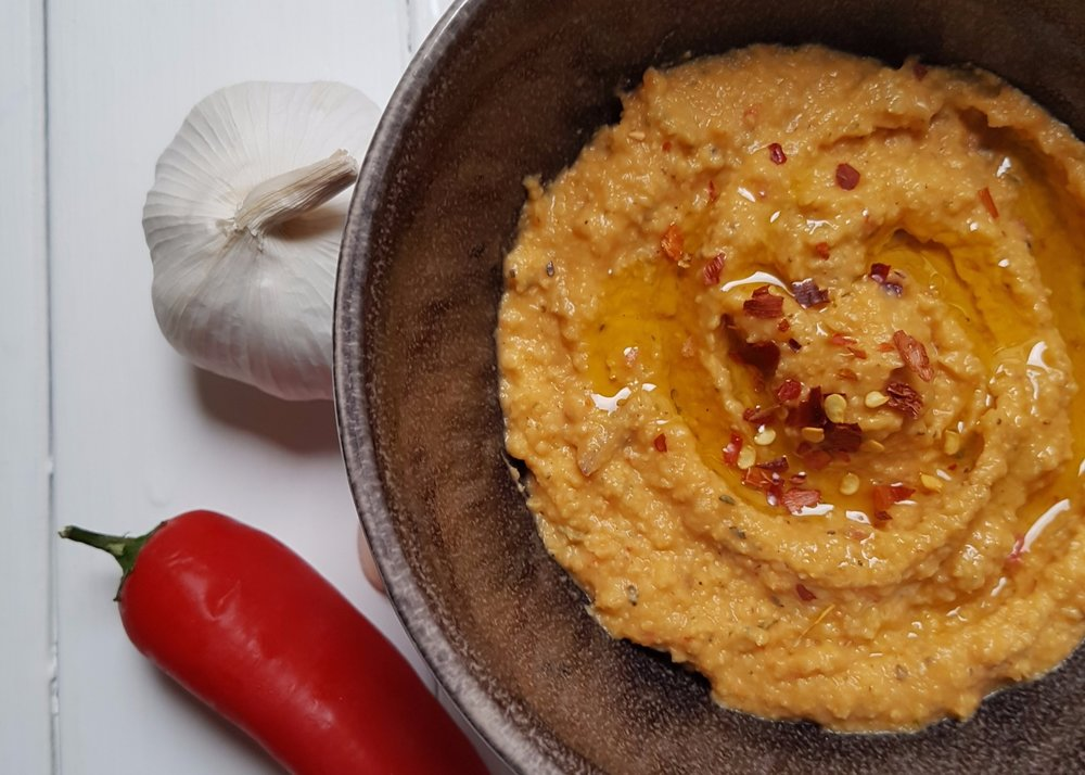 spicy red chilli hummus.jpg
