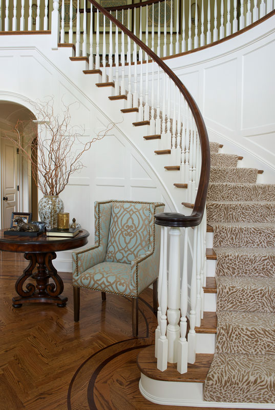 Curved staircase entrance