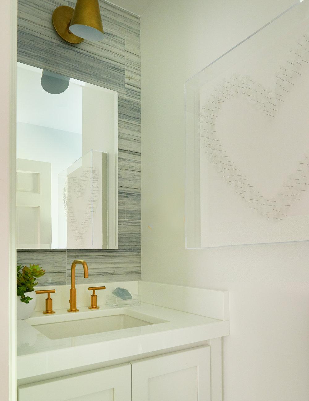 Bathroom details - wallpaper