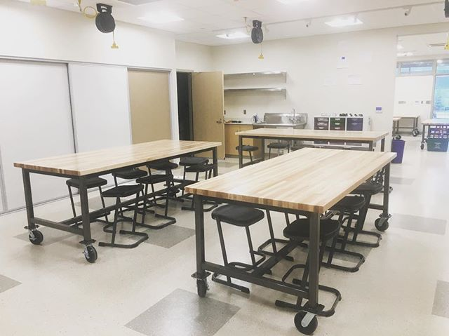 "This @versteel makers table is one of our favorite pieces to use for the modern Makers Space.  Get your school involved in the ""Makers Movement!"" @vs_america lupo stools  #frankcooneycompany #education #educationfurniture #educationalenvironments #K12Design #furniture #versteel #makersmovement #makersspace #highschool"