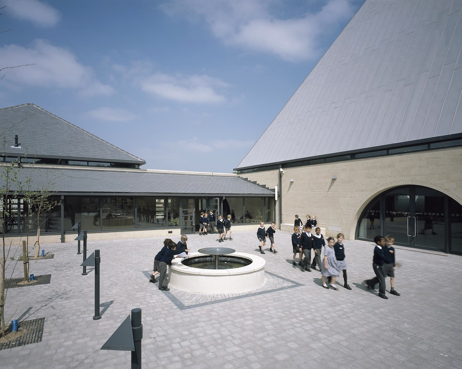 St Bede's Basingstoke, JBKS Architects with Robert Murray
