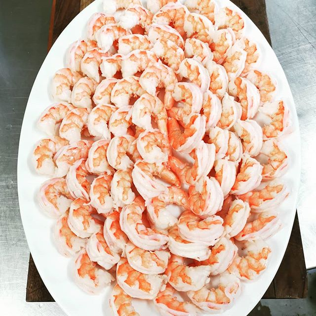 The Holidays are upon us. Eat well.  EAT; Tim Halley Catering  #cheftimhalley #cheftim #guelphchef #guelphfood #guelphcaterer #guelphcatering #shrimp #christmasparty #christmasdinner #shrimpplatter #shrimpplate #eatwell #eat #pinkfoods #pinkfood #seafood #foodlove #foodpassion #caterer #christmascatering
