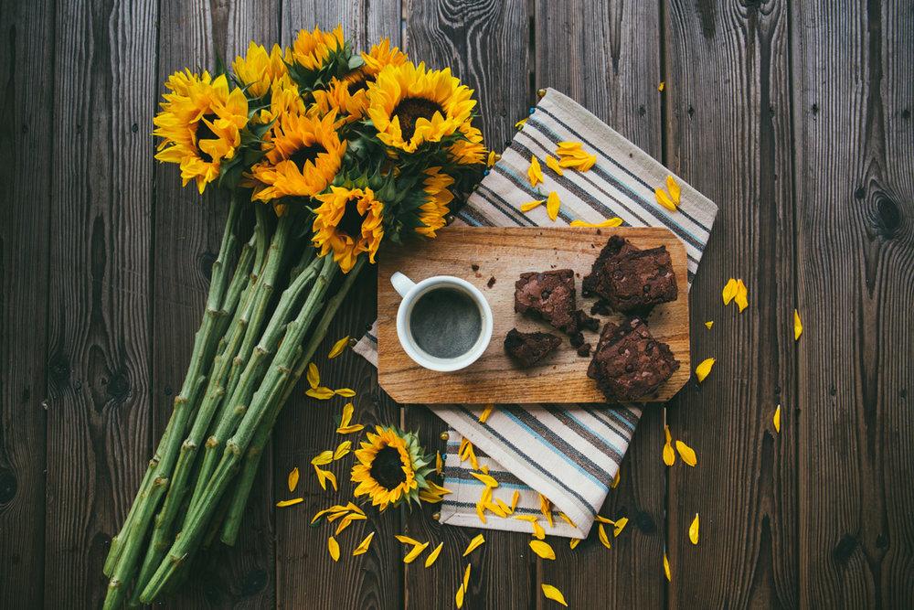 airbnb sunflower coffee brownies.jpg