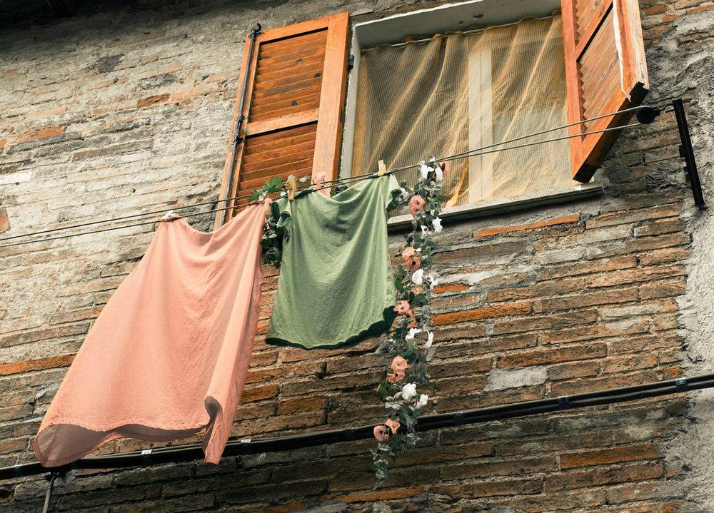 airbnb laundry clothesline.jpg