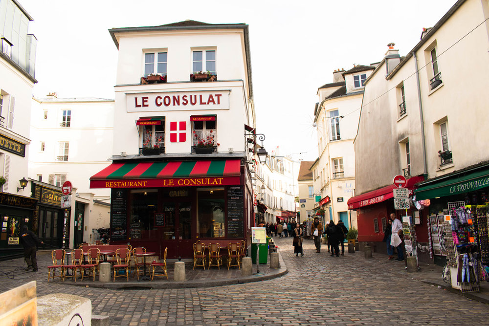 Le Consulat, a very cute and popular cafe in Montmartre