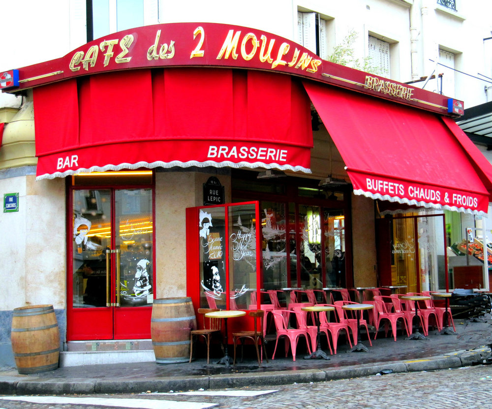 "Cafe des Deux Moulins - made famous by the movie ""Amélie"". Photo courtesy of www.montmartre-guide.com"