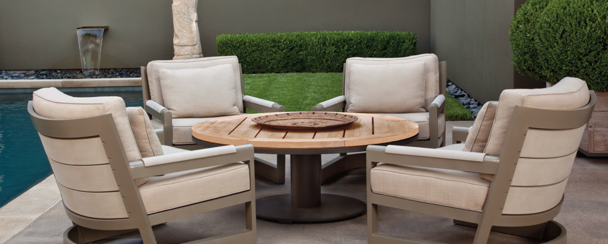 Outdoor-lounge-Great-Lakes-300x121