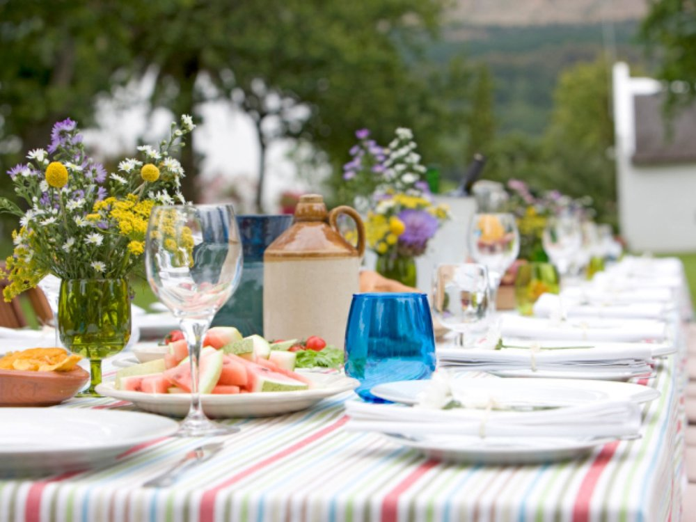 summer-party-table.jpg