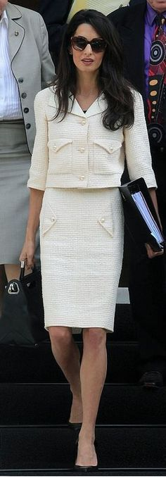 Amal-Clooney-Chanel-suit.jpg