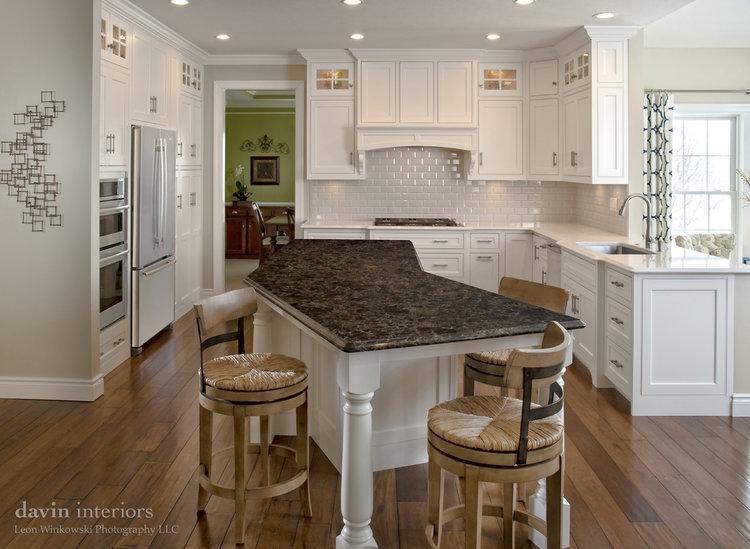white_kitchen_interior_design.jpg