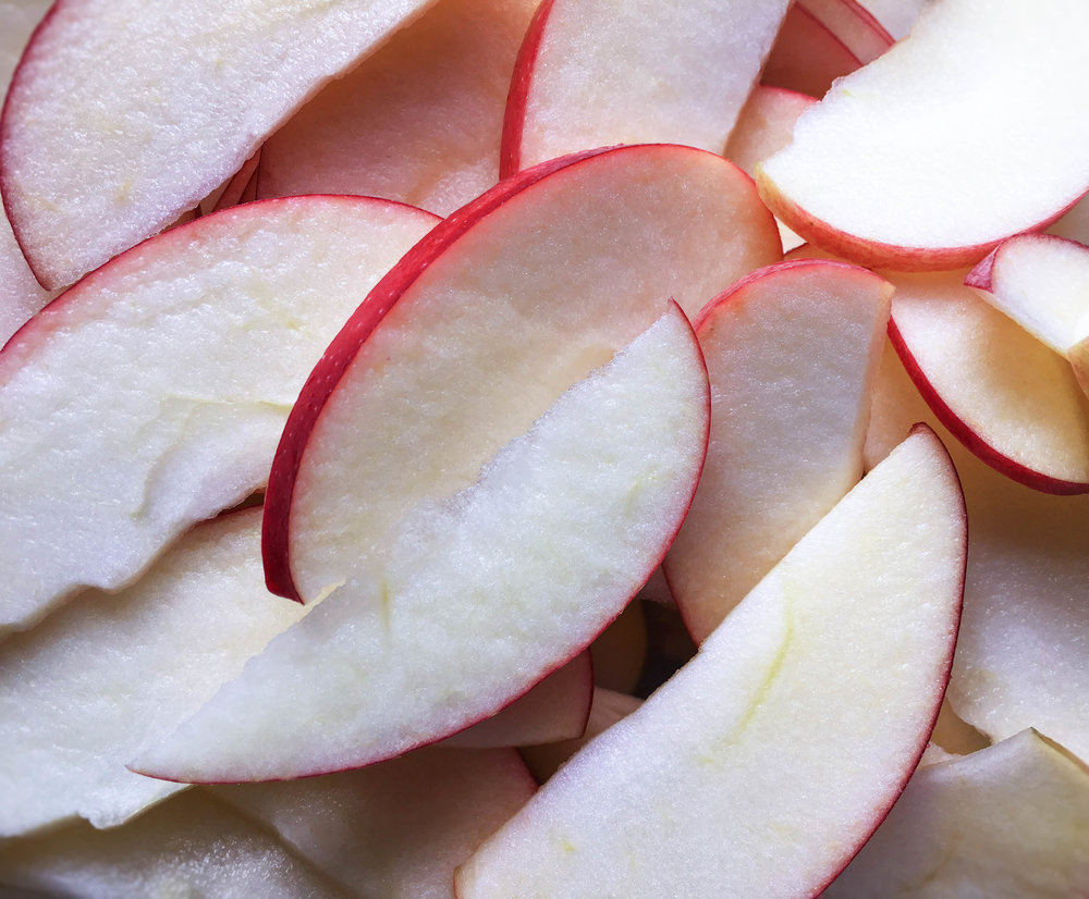 sliced apples food photography