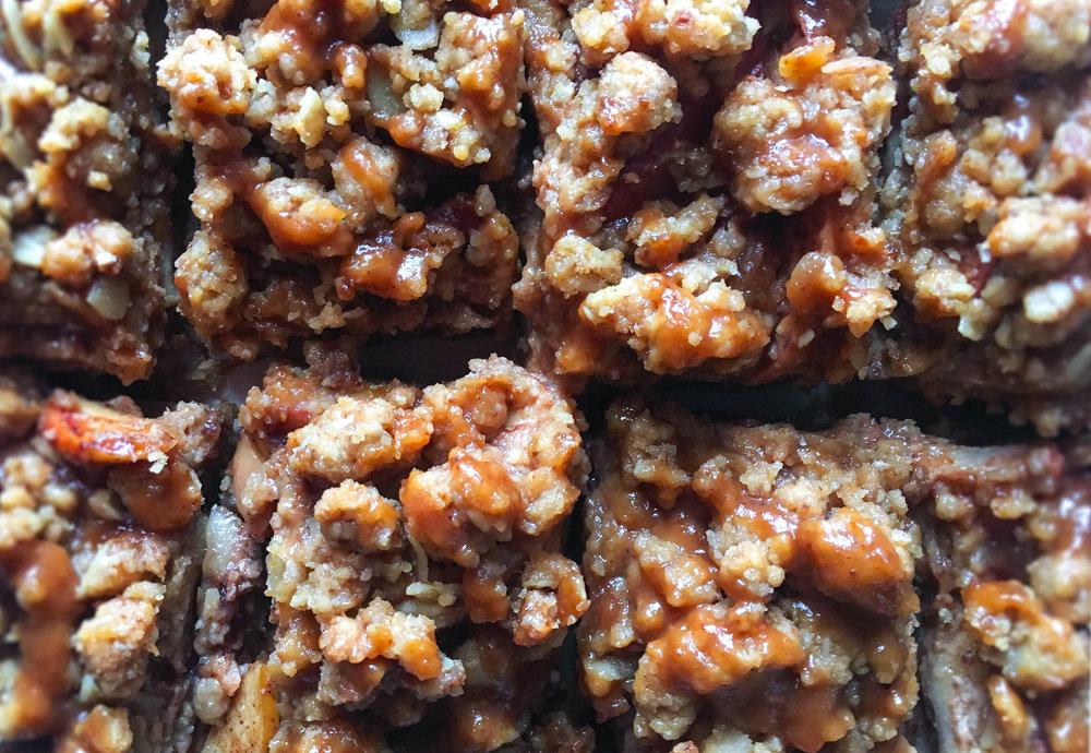 vegan & gluten free salted caramel apple pie bars