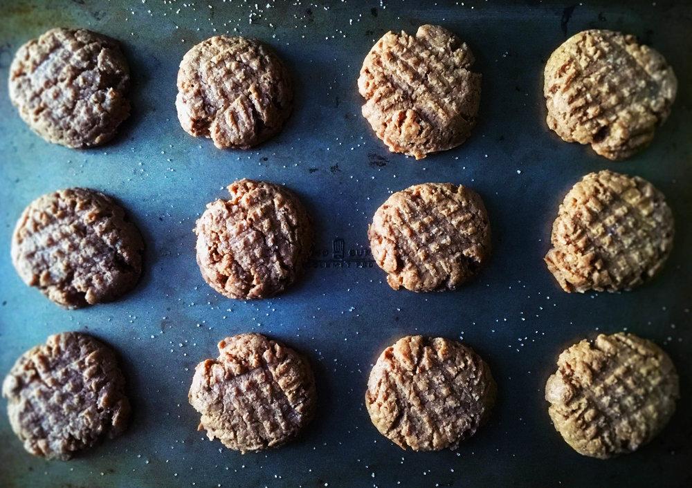 glutenfreeveganpeanutbuttercookies.jpg