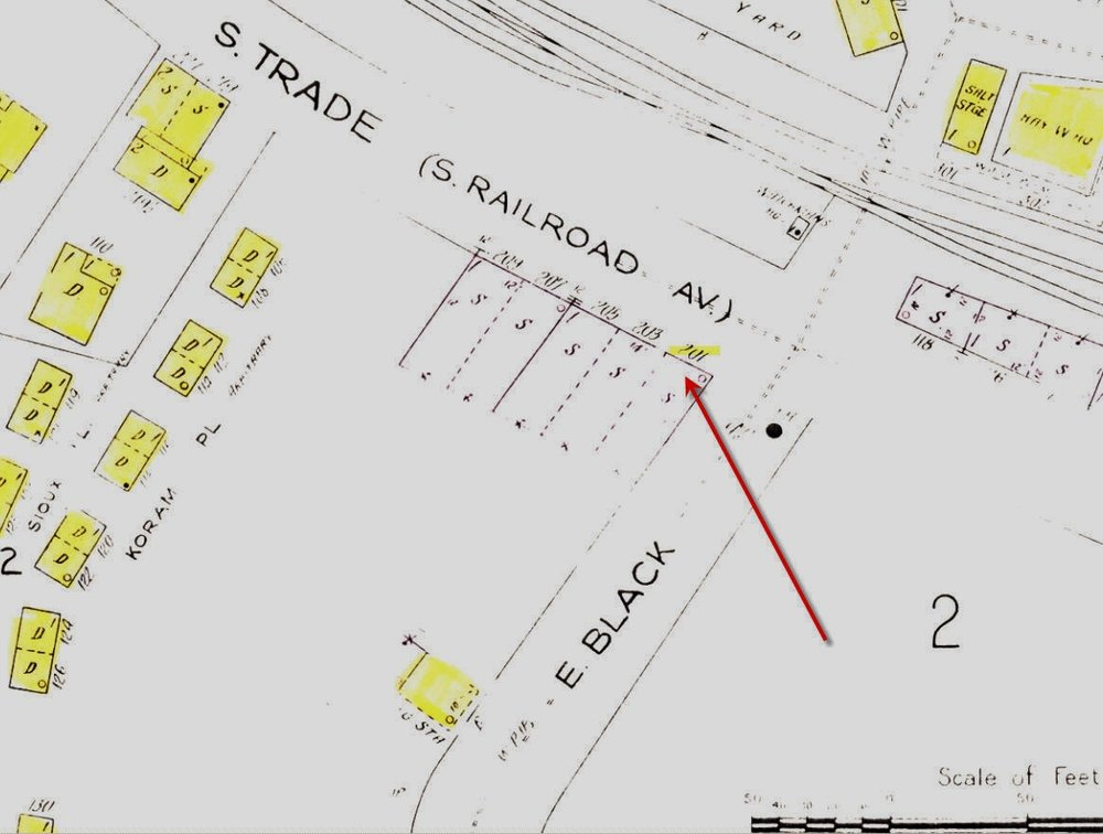 Sanborn Insurance Map showing the location of the restaurant and the open areas surrounding the corner of South Trade (South Dave Lyle), and East Black Streets.