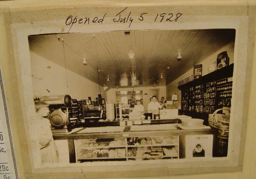 Mills Mercantile - July 5th, 1928