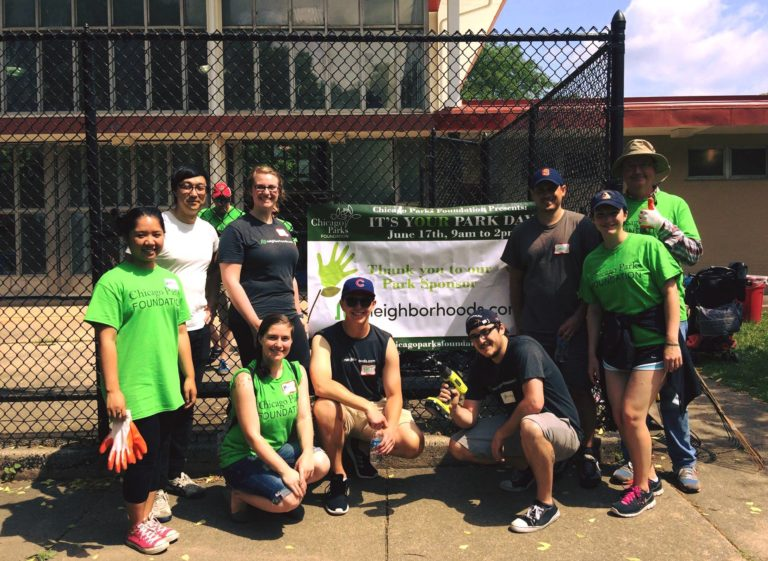 Neighborhoods.com volunteers at Welles Park