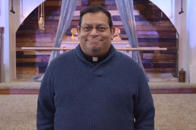 Rev. Obispo Alberto Vargas - Obispo de PIBR y fundador del Concilio de Iglesias Bautistas de RenovaciónHead Pastor of PIBR and founder of the Council of Churches of Renovation