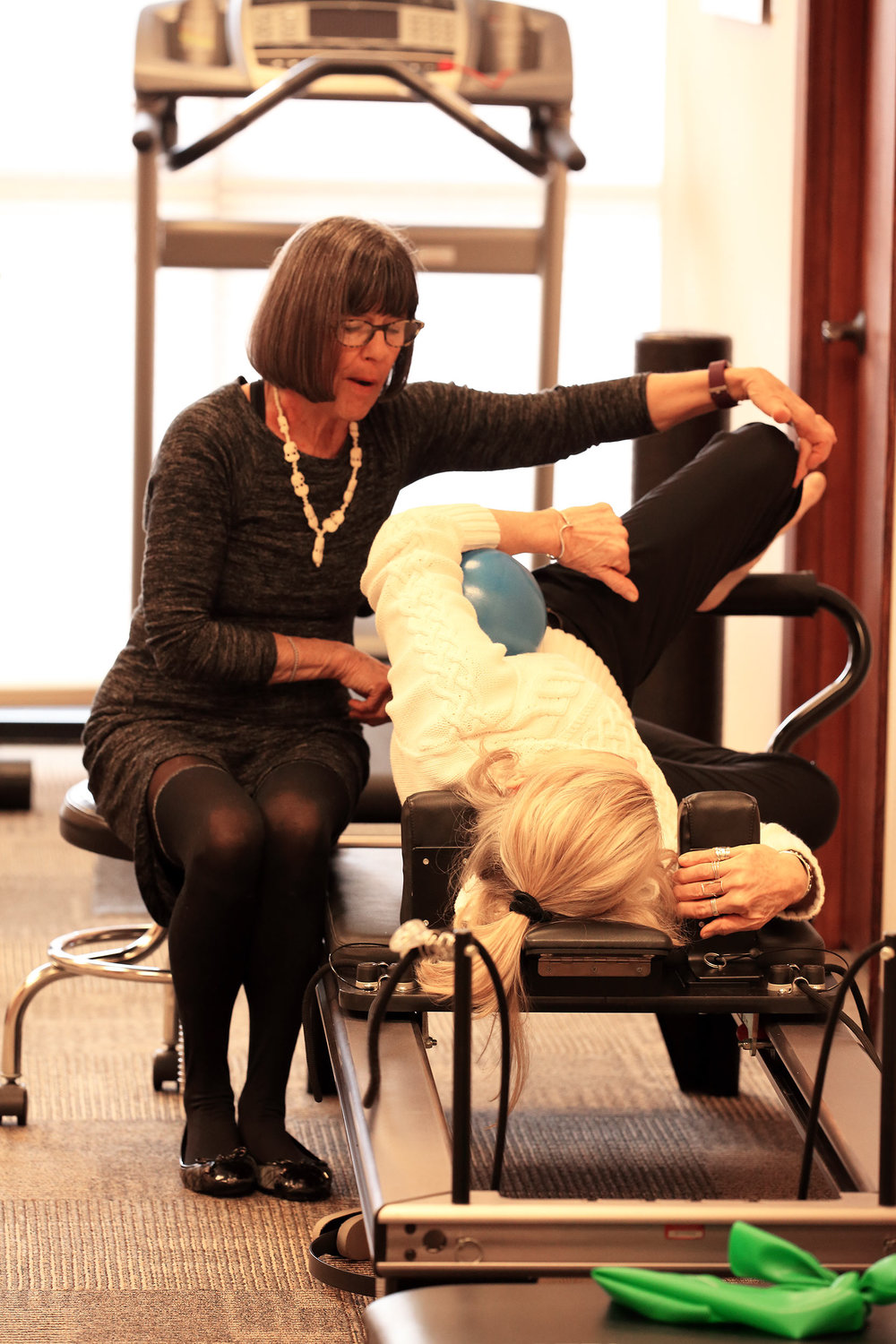 cathy-with-patient-on-reformer.jpg