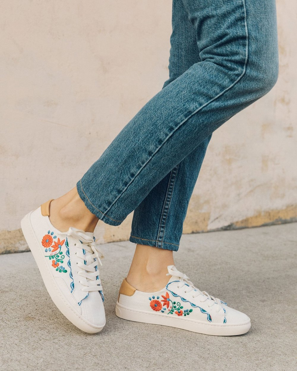 SOLUDOS   Ibiza Embroidered Sneaker