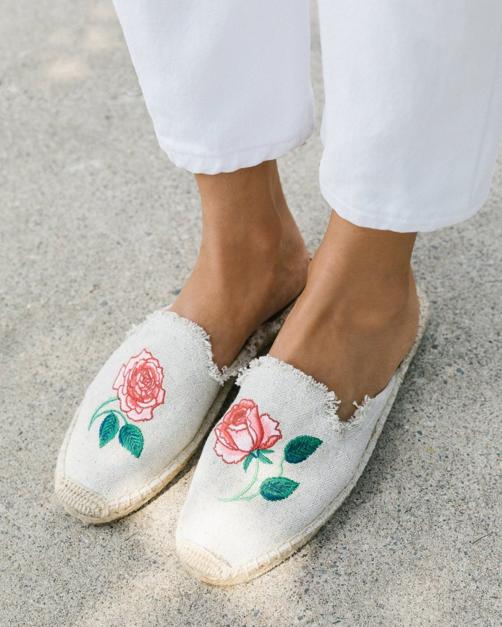 SOLUDOS   Vogue 125 Embroidered Mule