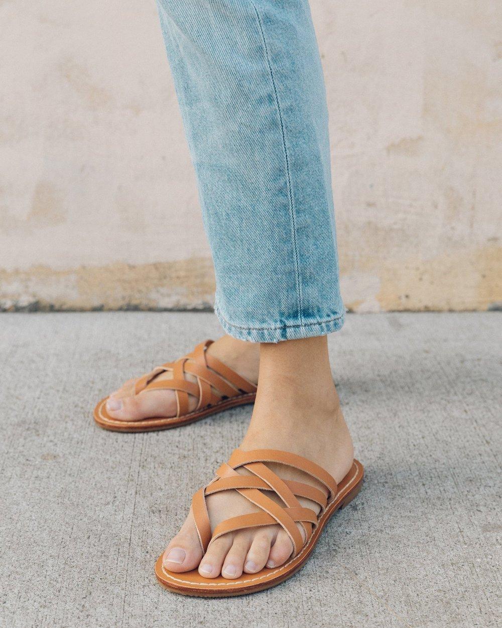 SOLUDOS   Woven Thong Sandal