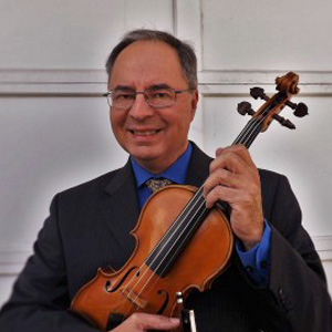 Ricardo Amador, violin