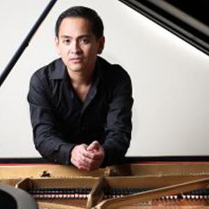 Victor Asuncion, piano