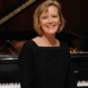 Stacie Haneline , piano