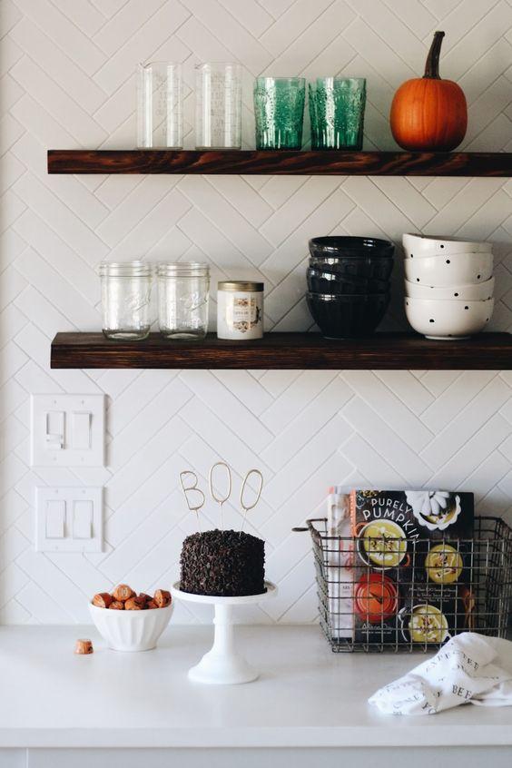halloween kitchen.jpg