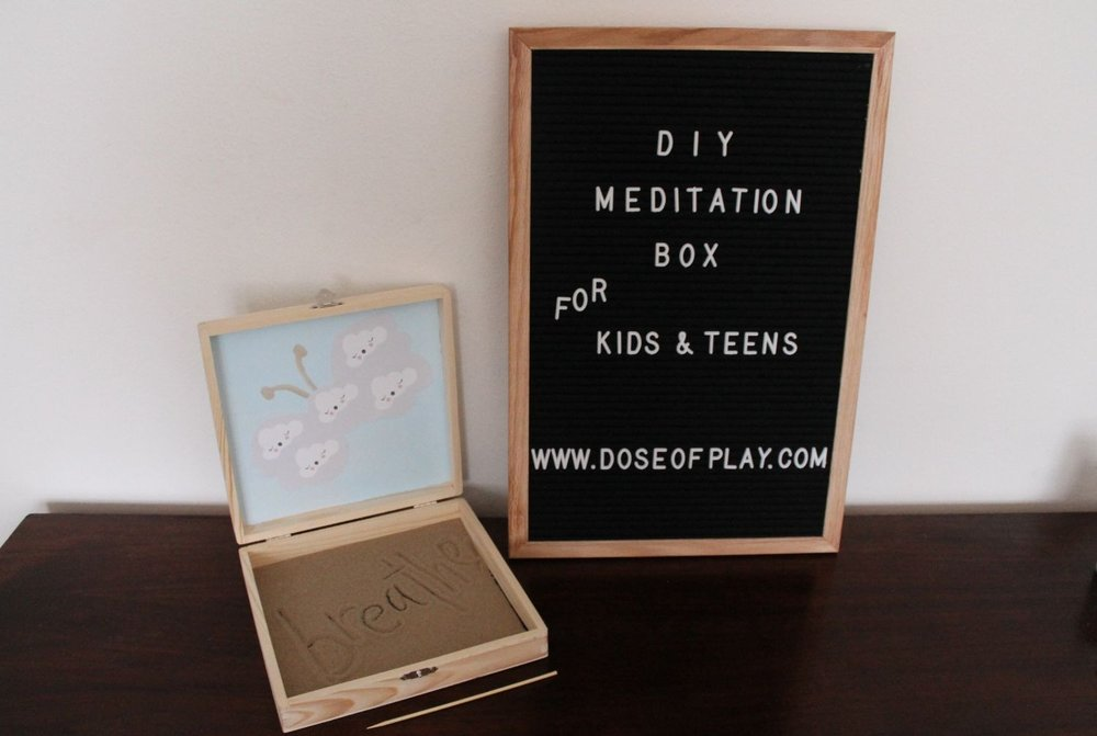 DIY Meditation Box on Dose of Play Blog #childlife #therapeuticactivity #newyear #meditation #reflection #relaxation #copingtool #doseofplay