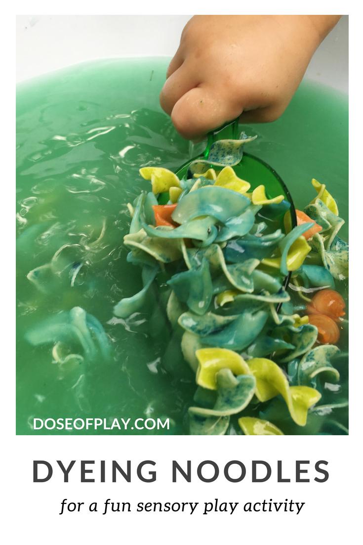 How to dye noodles for sensory play #doseofplay #sensoryplay #invitationtoplay #learningthroughplay #easyplayideas #toddlerplayideas #preschoolplayideas #waterplay #howtodyenoodles #howtodyepasta