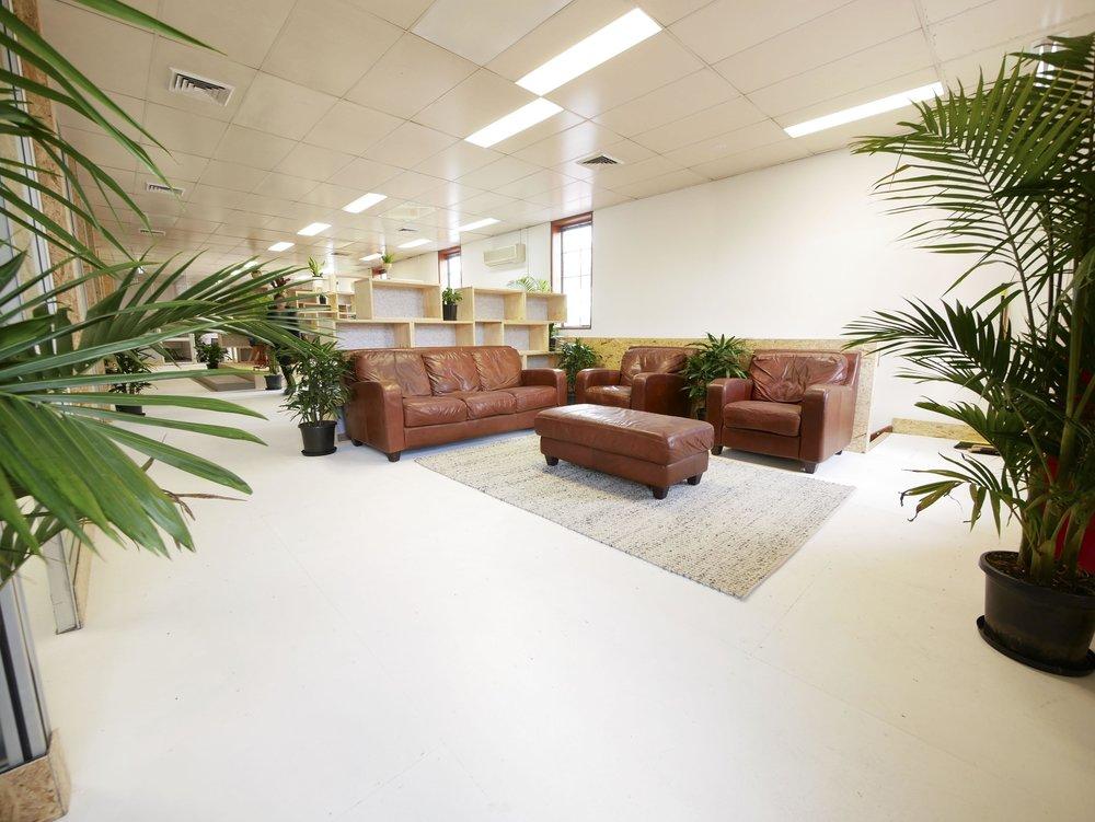 Kerr-couch-sml.jpg