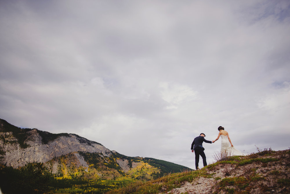 Calgary-Wedding-Photographer-Fairmont-Palliser-27.jpg