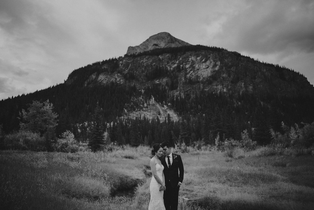 Calgary-Wedding-Photographer-Fairmont-Palliser-30.jpg