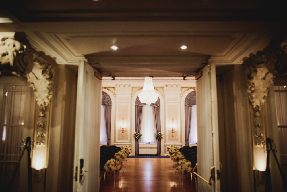 Calgary-Wedding-Photographer-Fairmont-Palliser-33.jpg