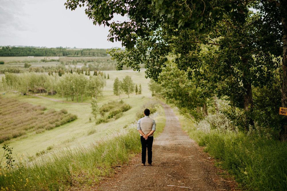Calgary-Wedding-Photos-Saskatoon-Barn-5.jpg