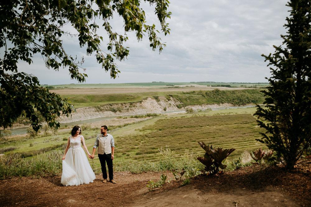 Calgary-Wedding-Photos-Saskatoon-Barn-13.jpg