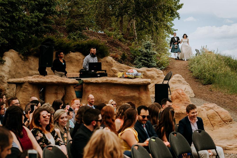 Calgary-Wedding-Photos-Saskatoon-Barn-32.jpg