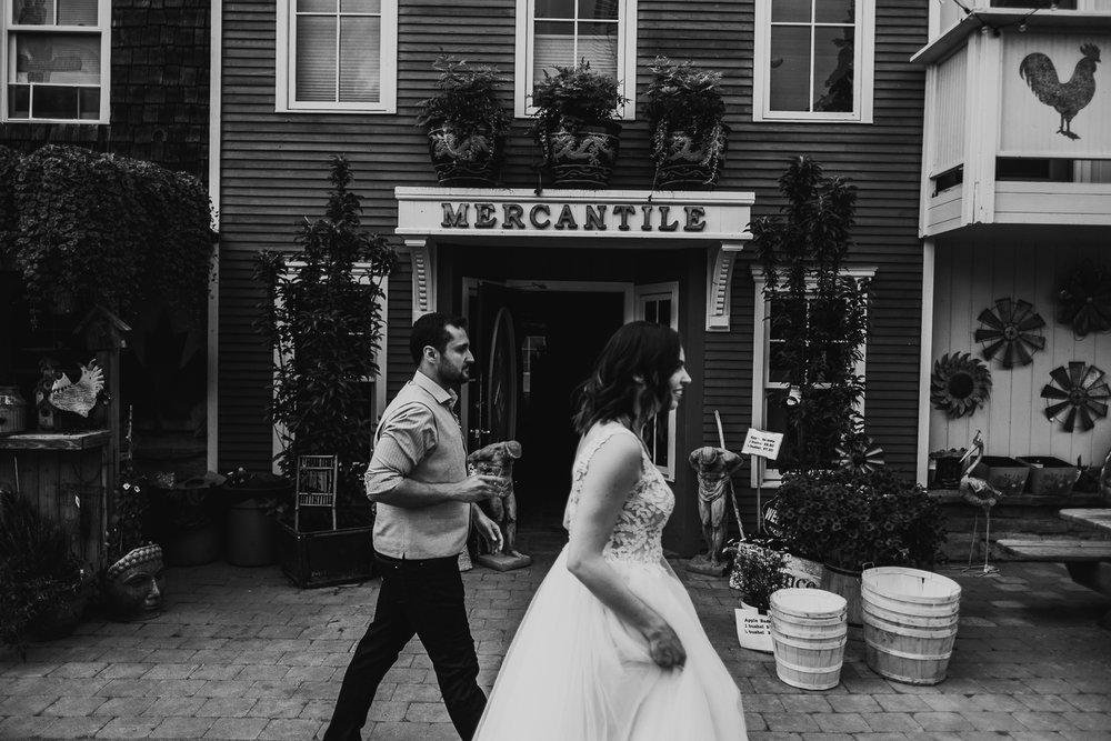 Calgary-Wedding-Photos-Saskatoon-Barn-50.jpg