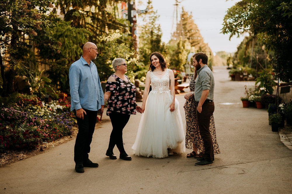 Calgary-Wedding-Photos-Saskatoon-Barn-63.jpg