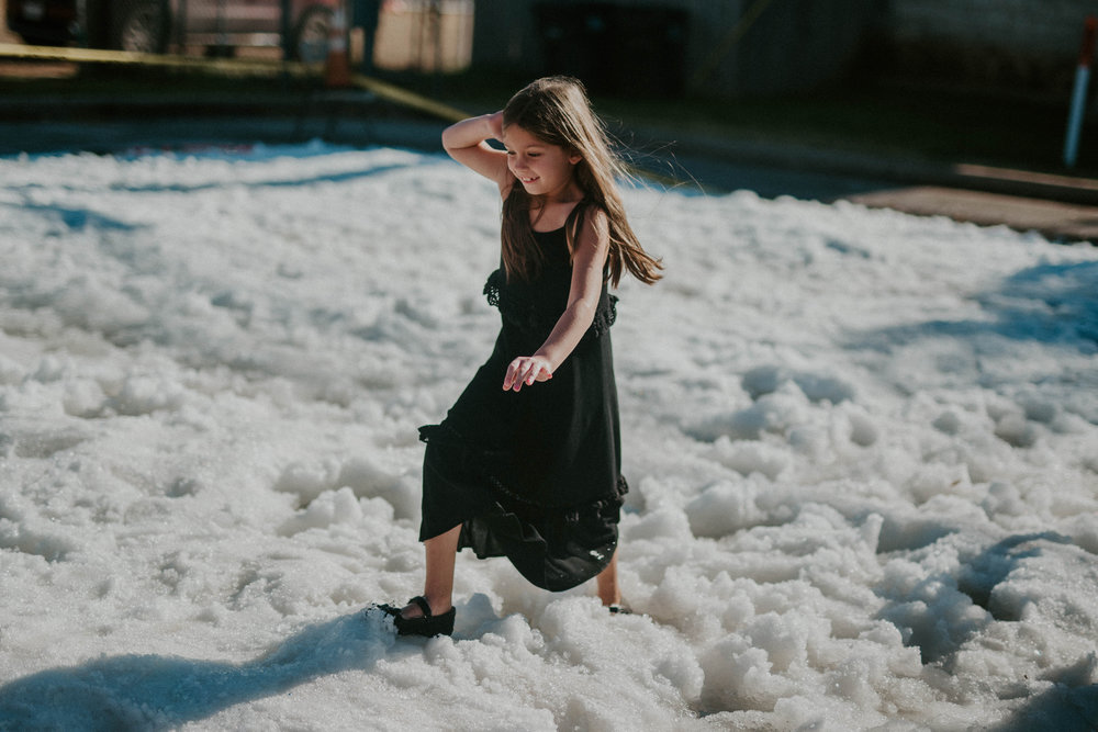 play in the snow - Build a snow man! Make a snow angel! Experience a winter tradition that doesn't happen too often here in Texas. Located next to the food court.Hours: 12:00 pm - 6:00 pm Saturday, Dec 112:00 pm - 5:00 pm Sunday, Dec 2