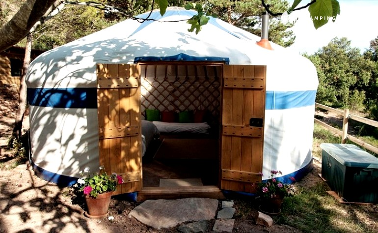 Barcelona camping, best Barcelona camping, Barcelona glamping, Spain camping, Spain glampsites, vineyard camping, vineyard campsites, Spain yurts, vineyards yurts
